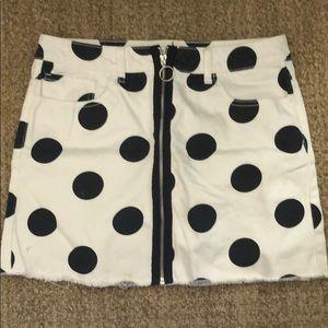 Never worn Forever 21 skirt size 29